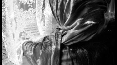 Flerkoneri. Flerkoneri blandt indvandrere opregner journalisten bag undersøgelsen tre i kategorier og tilføjer, at hun selv kun er stødt på to, heraf er den ene dansk konvertit. Arkiv