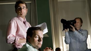 Den nuværende regerings mediepolitik blev i store træk formet af de to unge mediepolitiske løver, Brian Mikkelsen (K) og Jens Rohde (V), før valgsejren i 2001. Men i dag er det ikke let at være medieliberalist.
