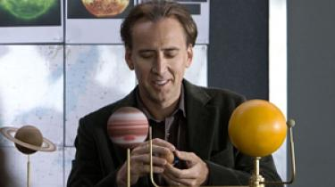 I den lidet selektive skuespiller Nicolas Cages nye film Knowing bliver Times Square futtet af på få sekunder, men alligevel sad denne anmelder med smil om mund