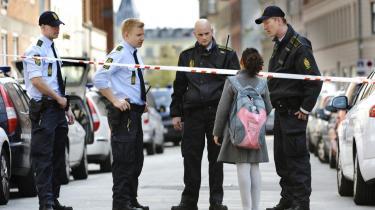 Den nye regerings opgave er at genoprette danskernes tillid til eksperterne, hvis vi skal komme problemer som kriminalitet og miljøudfordringer til livs. Når mange er -normløse-, så er det vel fordi, de er opdraget til være det - af tidsånden og de politiske vinde.