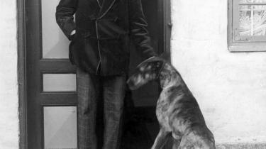 I årene op til Første Verdenskrig gjorde Henrik Cavling ved skrap skrivning og livfuld ledelse sin avis Politiken til Nordens første moderne dagblad. Anmeldelse af Sv. Ove Gades Cavling-biografi, som udkommer i morgen