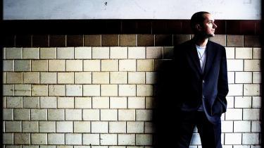 -Jeg længes efter anonymitet eller en form for pseudonym-tilværelse-, siger den svenske instruktør Lukas Moodysson, der gerne vil undgå, at hans film bliver sat i forbindelse med hans udsagn i interview eller hans tidligere værker.