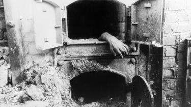 Primo Levi er en af de få italienske jøder, der overlevede Auschwitz og har skrevet stærkest om sine erfaringer. Nu er hans tre bøger med vidnesbyrd samlet i én mesterlig udgivelse