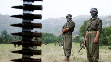 Tyrkiske PKK-krigere i en træningslejr i Mahsun Korkmaz 10 kilometer inde i Irak. Kurderne beskylder den tyrkiske hær for menneskerettigheds-krænkelser - men PKK er ikke meget bedre, mener kronikøren.
