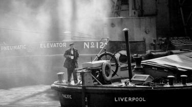 Terence Davies' 'Of Time and the City' er et forførende, følelsesladet, idiosynkratisk og til tider irriterende portræt af instruktørens hårdt prøvede hjemby Liverpool - og af ham selv