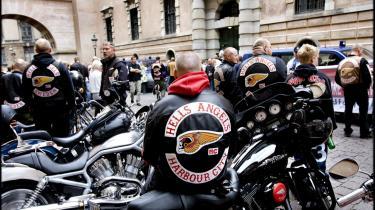 Et forbud mod rockerklubben Hells Angels vil forskyde det kriminelle marked. Man kan ikke ramme indvandrerbanderne med et forbud, fordi de ikke er organiseret i bander på samme måde som rockerne