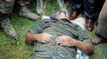 Efter at tamilske organisationer havde udtrykt skepsis om, hvorvidt De Tamilske Tigres leder virkelig var blevet dræbt i de afsluttende kampe, offentliggjorde Sri Lankas hæri går billeder, der angiveligt viste liget af Velupillai Prabhakaran.