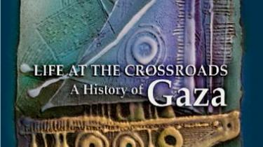 BBC's tidligere korrespondent Gerald Butt har skrevet en samlet fortælling om Gaza, som strækker sig fra Tuthmosis III til Israels seneste overgreb i vinteren 2008-09