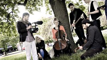 Filminstruktør Vincent Moon i Århus med bandet Choir of Young Believers.