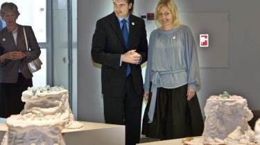 Kulturminister Carina Christensen og kæresten Kim Ørnbo var fredag til ARoS- 150-års-jubilæumsmarkering. Men ministeren mangler visioner for kulturen, lyder kritikken.