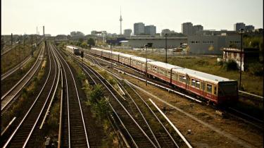 Det tyske skinnenet er for dårligt til at der kan etableres en forbindelse med højhastighedstog mellem København og Berlin, når Femern Broen en gang er færdig. På billedet S-bahn-tog i Berlin