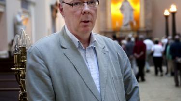 Menighedsrådsformand ved Københavns Domkirke Ole Ehlers kritiseres af Peter Skaarup (DF) for ikke at ville -sørge for, at danske myndigheders afgørelser blev ført ud i livet-, men det er slet ikke menighedsrådenes opgave, mener kronikøren.