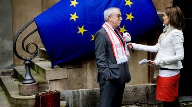 Tidligere udenrigsminister og formand for Venstre Uffe Ellemann-Jensen var kendt for sin meget EU-venlige stil. Men både før og siden har de borgerlige udtrykt deres skepsis overfor det europæiske projekt.