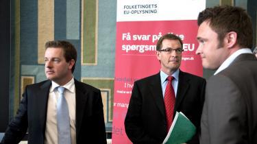 Krisetegn. Fra at være overvældende enige om, at EU var det eneste rigtige politiske projekt, har Rohde, Bendtsen og Jørgensen i valgkampen stået for en enighed om, at den Europæiske Union er noget, man tier - eller taler uden om.