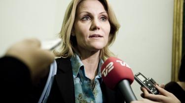 Helle Thorning-Schmidt ilede på valgdagen ind foran TV 2-kameraer for at advare vælgerne mod deres egen uansvarlighed. Men var det i virkeligheden falsk alarm?Arkiv