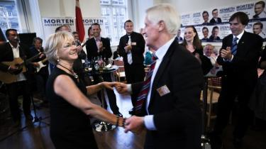 Dansk Folkeparti og Pia Kjærsgaard danser ikke bare rundt med gemalen Poul Lindholm Nielsen, men i den grad også med Danmarks Radio, som har danset efter DF-s pibe, både på valgaftenen og tidligere, da en radiogæst citerede det forkerte tidligere Fremskridtsparti-medlem for en rottemetafor.