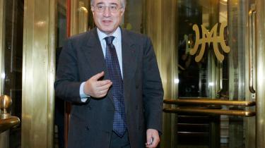 Marcello Dell-Utri, en af Silvio Berlusconis nærmeste medarbejdere, har ofte været genstand for politiets telefon-aflytninger i forbindelse med mafiasager.