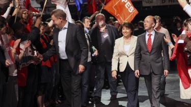 På turne. Poul Nyrup Rasmussen under valgkampen for de europæiske socialdemokrater - her i Lille i Nordfrankrig. Nyrup erkender, at der er en modsætning mellem den europæiske dagsorden, han har rejst rundt med, og det nationale fokus, valgkampen har haft i de fleste europæiske lande.