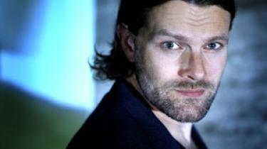Værten på DR2 Premiere, Mikkel Munch-Fals, er ikke bange for at sige sin ærlige mening om de nye biograffilm og det samfund, de er en del af, og det gør programmet til et af de bedste på DR lige nu