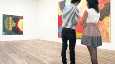 Foreløbig eneste britiske anmeldelse af den store retrospektive Kirkeby-udstilling på Tate Modern i London er ikke begejstret