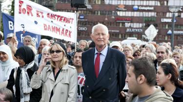 Til den store forsamling på Christiansborg sagde Svend Auken i går:  Der kræves ingen særlov for at gøre det rigtige.  Brug lovens ret til at give humanitært ophold