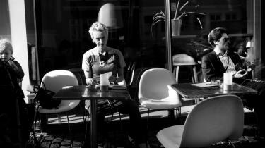 Helt overordnet tror jeg, at det at male et portræt af sig selv ind i anmeldelsen kan give en mere saglig karakteristik af bogen, end hvis man lader som om, at man læser den fra nowhere,  siger Informations litteraturanmelder Lilian Munk Rösing.