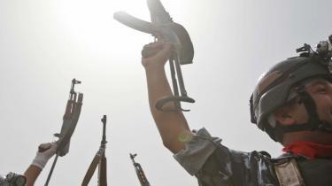 Irakiske soldater i Bagdad fejrer de amerikanske soldaters - omend noget symbolske - exit, men spørgsmålet er, om de irakiske sikkerhedsstyrker er klar til at overtage kontrollen.