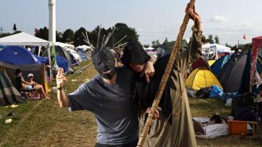 Snapshot fra dette års Roskildefestival, som allerede så småt er startet, ikke mindst ude i teltene, mens det musikalsk for alvor begynder at rykke i løbet af de næste par dage.