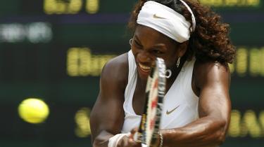 Når den umiddelbare fascination af spillernes slagstyrke og vedholdendhed har lagt sig, synes der ikke at være så meget tilbage at se på i kampen mellem Serena Williams og Elena Dementieva. Williams vandt med 8-6 i tredje og afgørende sæt.