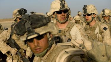 I Helmand-provinsen i Afghanistan deltager omkring 4.000 amerikanske marinesoldater og yderligere tusinder af soldater i støttefunktioner i 'Operation Khanjar' - den største militære operation på afghansk jord siden den sovjetiske tilbagetrækning i 1989. Målet er at få kontrol over hele Helmand-provinsen og med et slag vende krigen mod Taleban.