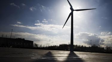 Storbritanniens regeringen vil bruge både vind, atomkraft og kul med CO2-rensning for at nå sine klimamål