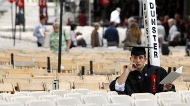 Det prestigefulde Harvard University har i århundreder udklækket verdens bedste hjerner. Men nu er USA's akademiske flagskib i knæ