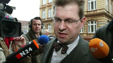 SPD's formand i Slesvig-Holsten, Ralf Stegner, nægter at være med til at udskrive delstatsvalg på samme dag som forbundsdagsvalget.