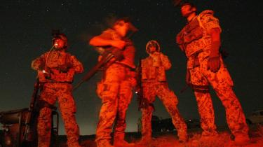 USA's nye strategi i Afghanistan sætter de internationale styrker i landet under hårdt pres. Samtidig har de amerikanske tabstal aldrig været højere