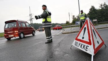 Hjemmeværnet tager sig af flere opgaver i Danmark - som her da en gifttankvogn brød i brand i Kolding. Nu vil politikere sende hjemmeværnet til     Malta for at bekæmpe menneskesmuglere.