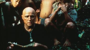 Forfængelig. Marlon Brando under optagelser til 'Apocalypse Now', der blev optaget i den filipinske jungle, hvor den overvægtige Brando insisterede på at være iført sort tøj og blive filmet i skygge for at skjule sine mange kilo.