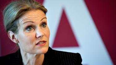 Det er S og SF, der svinger taktstokken over oppositionens udlændingepolitik, erklærede Helle Thorning på det socialdemokratiske sommergruppemøde. Men de radikale siger nej