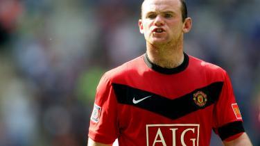 Alle fodboldspillere vil til Spanien, og det giver mindreværdskomplekser i Premier League, hvor hele det symbolske ansvar nu ligger på United-forwarden Wayne Rooney