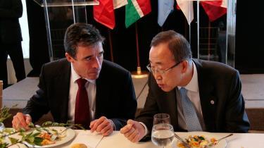 Magasinet Der Spiegel mener, at den aktuelle stab af internationale organers ledere er præget af middelmådighed, hverken generalsekretæren for FN eller tidligere statsminister Fogh går ram forbi.