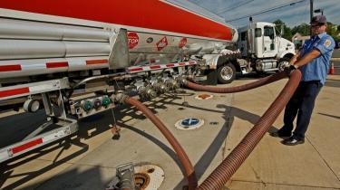 Alene olieselskabet Exxon Mobil brugte i første halvår af 2009 14,9 mio. dollar på lobbyisme i Washington. Det er mere end samtlige selskaber i den grønne energiindustri brugte tilsammen.