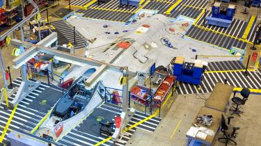 Lockheed-Martin lover nu mere end 100 procent modkøb, hvis Danmark vælger at købe det superavancerede Joint Strike Fighter fly. Boeing har lovet hundrede procents modkøb og Saab hele 180 procent