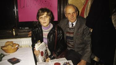 Petra Kelly stiftede i 1980 partiet De Grønne i Tyskland og var aktiv i fredsbevægelsen sammen med sin mand Gert Bastian. Her ses de sammen, inden de kendte til deres triste skæbne.