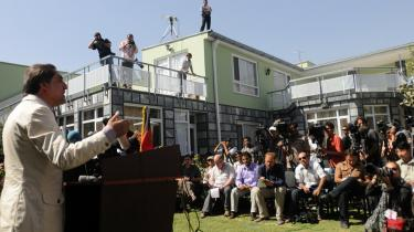 Præsident Karzais største udfordrer, Abdullah Abdullah, mødte i går op til et pressemøde i Kabul for at adressere rygterne om svindel ved det netop overståede valg - Abdullah Abdullah sagde, at han har beviser for, at der er svindlet med stemmerne.