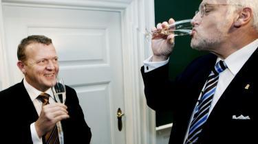 De fede tider er forbi. Mens Thor Pedersen og Lars Løkke stod i spidsen for Finansministeriet bestod deres opgave først og fremmest i at undgå overophedning af økonomien. Nu anbefaler de økonomiske vismænd at bruge løs af lånte penge for at dæmme op for krisen.