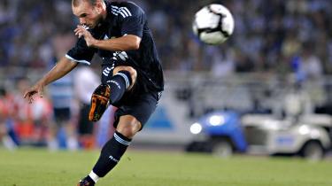 Brag. Trods et brag af et frispark var der ikke meget at fejre for Reals Wesley Sneijder. Han er slet og ret blevet ekspederet videre til italienske Inter.