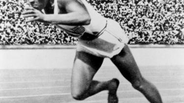 Mennesket er dømt til at udforme og lade sig forme af sociale øvelser. Det forsøger at gøre sig immun ved at udvikle en række mentale og fysiske måder at øve sig på, f.eks. som den amerikanske sprinter Jesse Owens, skriver den tyske filosof, Sloterdijk, i sin nyeste bog.