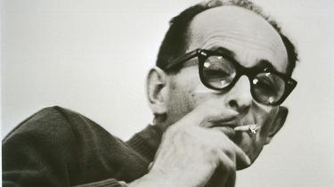 Det var når han var mest normal, at han var mest dødbringende. Det er det stadig lige foruroligende billede, der står tilbage af Adolf Eichmann.