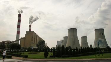 Næste år udvider Belchatów-kraftværket produktionen med et nyt 858 megawatt anlæg, der også skal baseres på brunkul. Det nye anlæg kommer til at forøge kraftværkets totale produktion af el med 20 procent, og det betyder, at Belchatów-værket i fremtiden vil udlede endnu mere CO2 i atmosfæren.