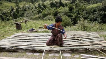 I Bhutan har man forsøgt at gøre op med den traditionelle måde at sammenligne landes velstand på og indført 'Gross National Happiness' som målestok.