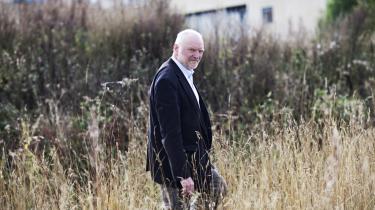 Roskilde Universitet (RUC) har valgt Ib Poulsen som ny rektor efter at have slået stillingen op to gange. Den tidligere institutleder vil inddrage medarbejderne og de studerende på RUC mere